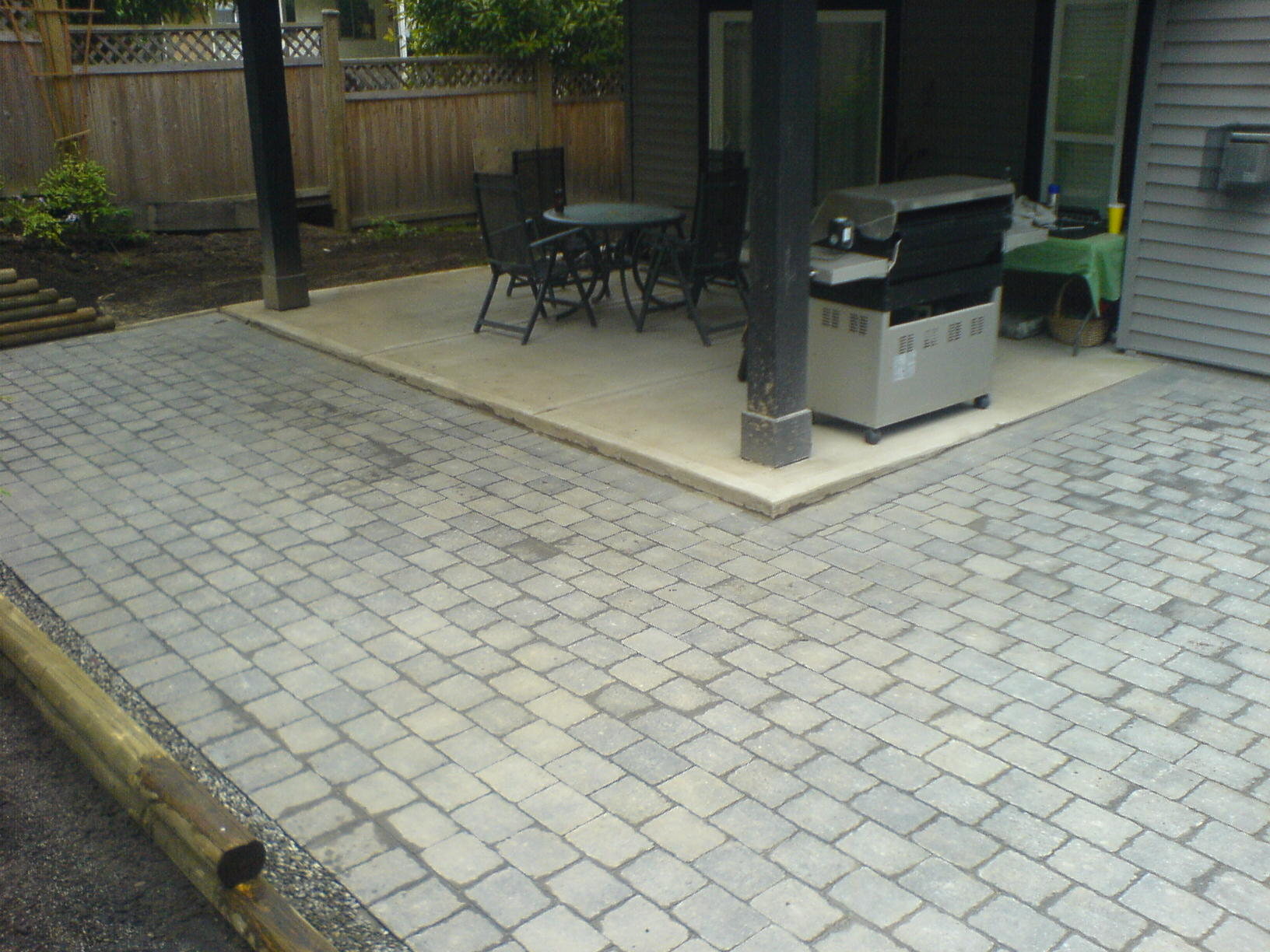 Paving stone patio installation